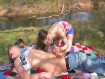 Скриншот для 19 летнюю подругу чувак чпокнул в попу на пикнике
