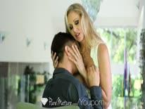 Скриншот для Зрелая сисястая блондинка наслаждается страстным сексом