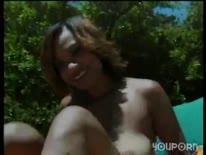 Скриншот для Белый мужик по всякому отымел латинку у бассейна