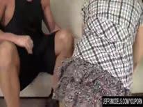 Скриншот для Пухлая грудастая шлюшка кайфует на члене трахаря