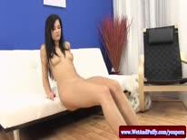 Скриншот для Аппетитная брюнетка с большой грудью романтично мастурбирует