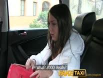 Скриншот для Таксист насадил красивую молодую брюнетку на свой большой стержень