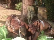 Скриншот для Два аборигена отшпилили блондинку нимфетку