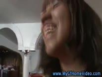 Скриншот для Две блондинки трахаются с парнем пока он снуимает их на камеру