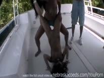 Скриншот для Бухие сексуалные девки устроили разврат на яхте