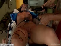 Скриншот для Три медсестрички устроили БДСМ с пациенткой