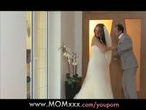 Скриншот для Муж с грудастой невестой устроил горячее порно в брачную ночь