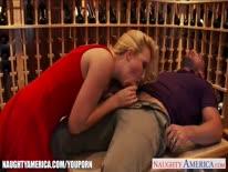 Скриншот для Секси жена шпилится с мужем в кладовке