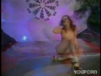 Скриншот для Стройная рыжая девушка отвязно трахается