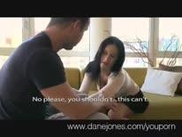 Скриншот для Брюнетка с большими буферами кайфует и ловит оргазм от секса