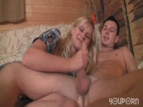 Скриншот для Блондинка кувыркается с бойфрендом на даче